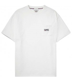 TOMMY JEANS LOGO POCKET TEE...
